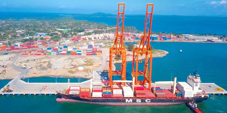Suspendidos temporalmente servicios a buque en Puerto Cortés