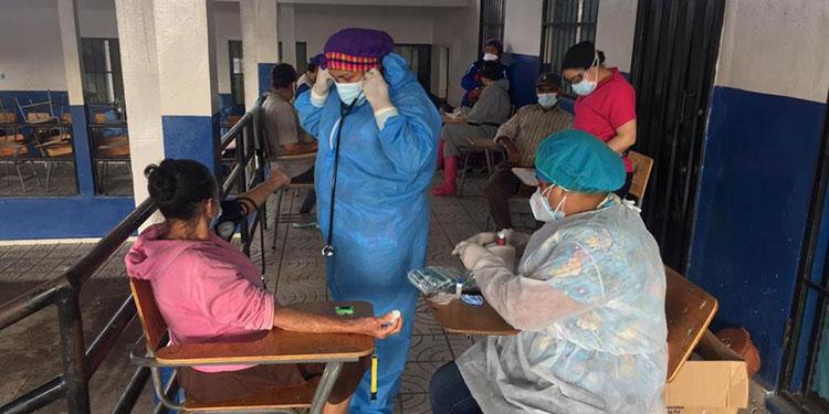 La Región Metropolitana de Salud reportó 80 casos positivos de COVID-19 en algunos albergues de la capital.