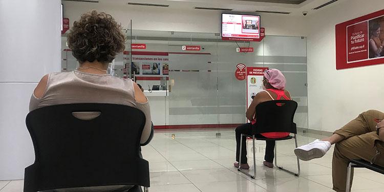 Los bancos retornan a trabajar normalmente