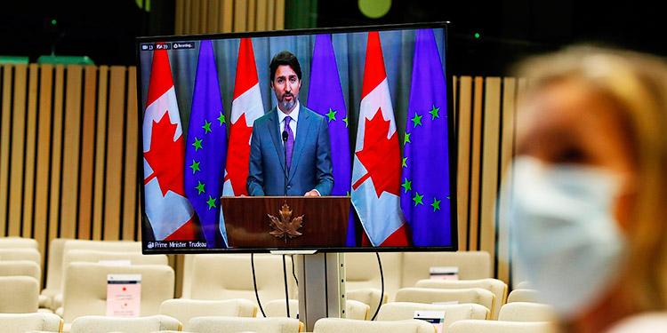 Trudeau critica la gestión de la COVID-19 en EEUU el día de las elecciones