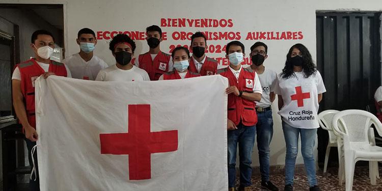 La nueva junta directiva se comprometió a fortalecer la Cruz Roja, en Siguatepeque, Comayagua.