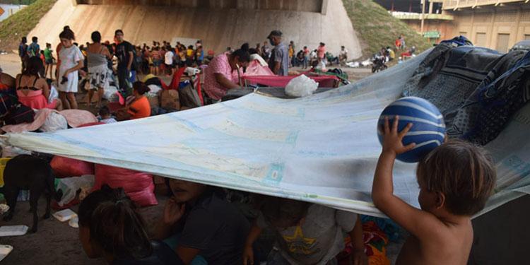 """Puente de salida a occidente, el """"hogar"""" de damnificados"""