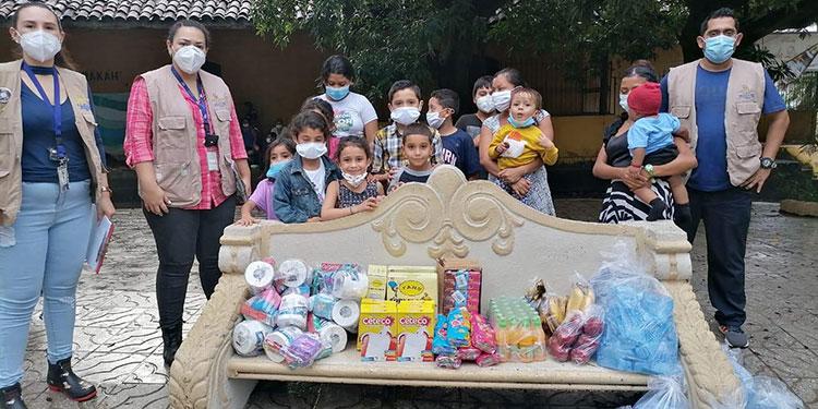 """Los """"cholutecas"""" han demostrado solidaridad con los más necesitados y, a través de la Dinaf, han ayudado a personas afectadas por """"Eta""""."""
