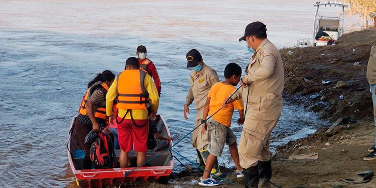 50 mil hondureños evacúan sus casas para salvar su vida