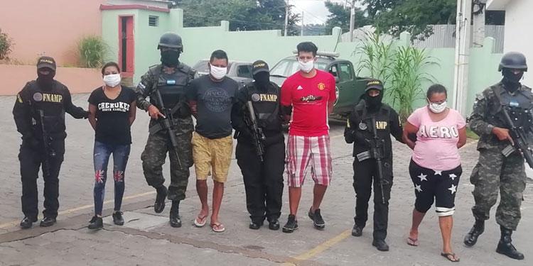 Capturan cuatro miembros de una familia en el barrio Morazán por tráfico de drogas