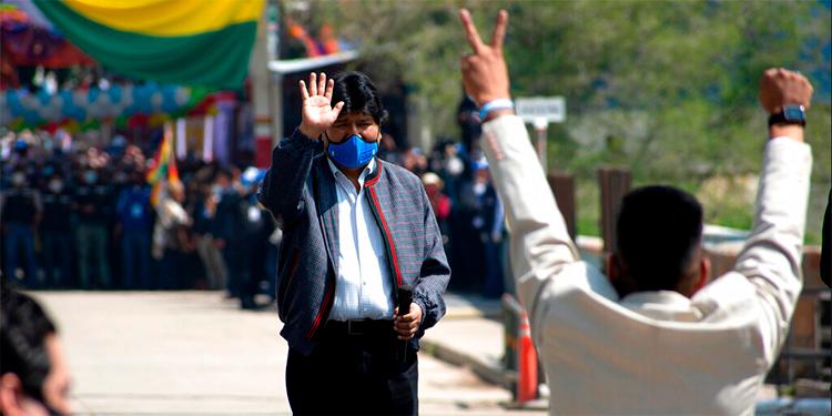 Evo Morales sigue masiva gira por Bolivia y apunta a no abandonar la política