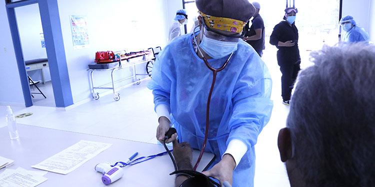 Gracias al Programa Fuerza Honduras, algunas alcaldías fortalecieron sus centros de salud y contrataron más personal para las brigadas.