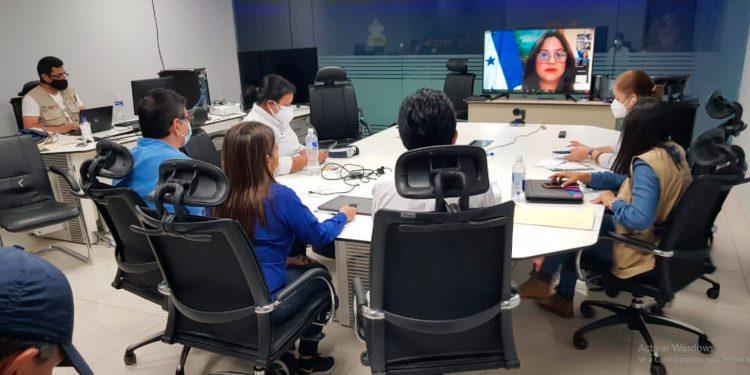 Honduras busca agilizar trámites de donaciones para afectados por Eta