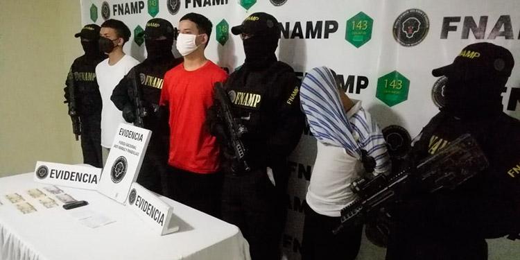 Atrapados tres pandilleros cuando cobraban extorsión