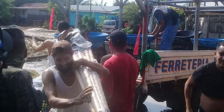 Los reos evacuados participaron en las labores de limpieza del centro penal de El Progreso, Yoro.