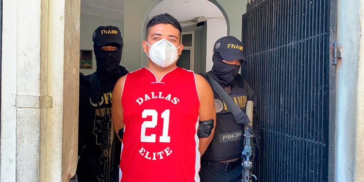 """Orlin Omar Herrera Mejía (28), alias """"El Coy"""", fue detenido por la FNAMP en la aldea El Zapotal de San Pedro Sula."""