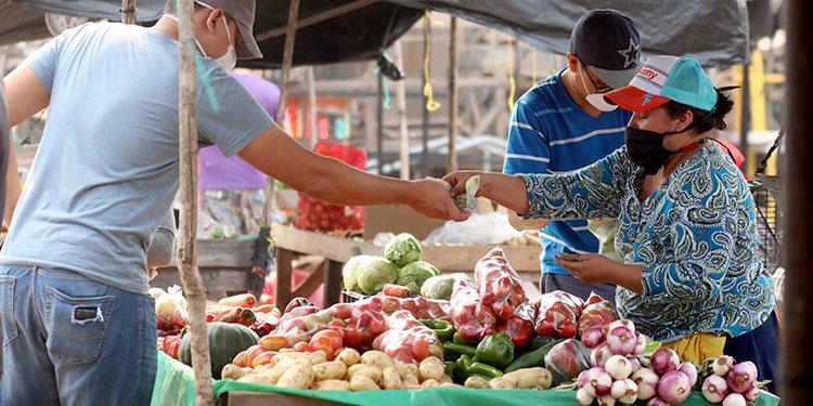 Analistas prevén inflación de 3.89% para cierre del año