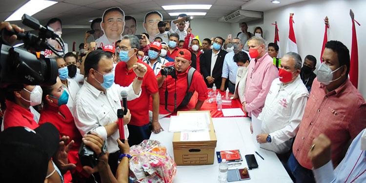 Darío Banegas dijo que su movimiento va con fuerza.