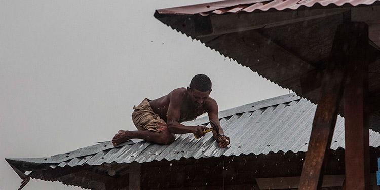 Suben a ocho los muertos por el paso del huracán Iota en Nicaragua