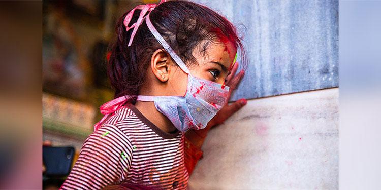Los niños, adolescentes y jóvenes siguen siendo un grupo vulnerable al contagio del COVID-19.