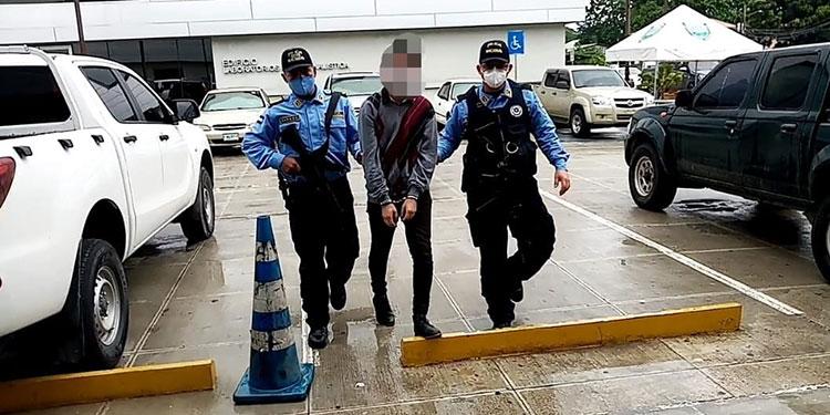 Menor detenido por pornografía infantil