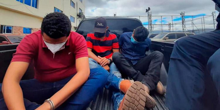 Según investigación del MP: En patrullas traficaban con indocumentados