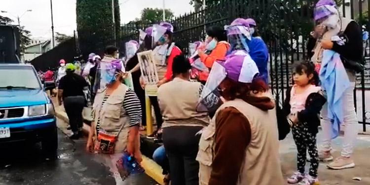 Protestan frente a la CSJ por el día internacional de la eliminación de la violencia contra la mujer
