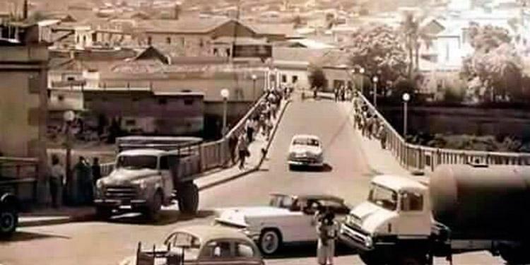 Puente Mallol. Los años 50 ,60. Primera estructura que unió Tegucigalpa con Comayagüela.