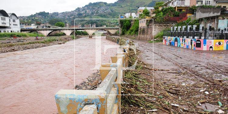 Tormentas dejan sin vivienda a 748 familias en la capital