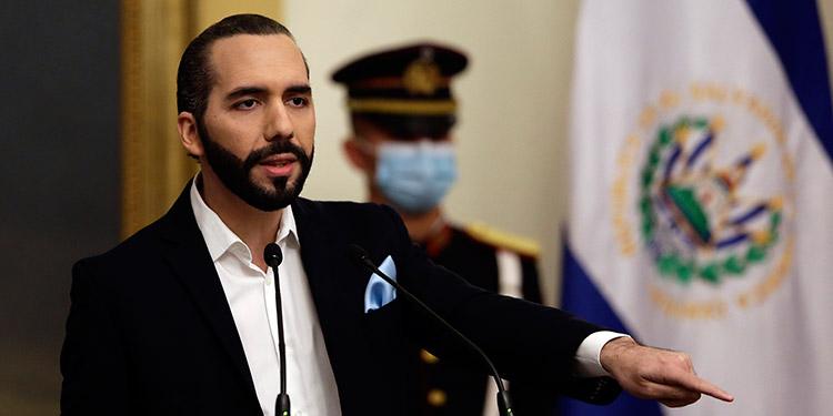 Presidente salvadoreño cuestiona a fiscal