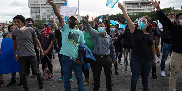 Guatemaltecos vuelven a las calles para exigir la renuncia de Giammattei