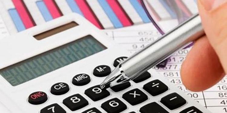 Economistas insisten con reorientar el presupuesto