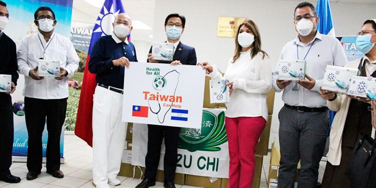 Embajada de China Taiwán dona 25 mil pruebas PCR