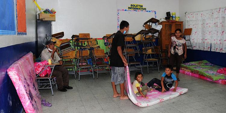 Cerca de 400 menores de edad se encuentran refugiados en los albergues, ante cualquier situación de riesgo.