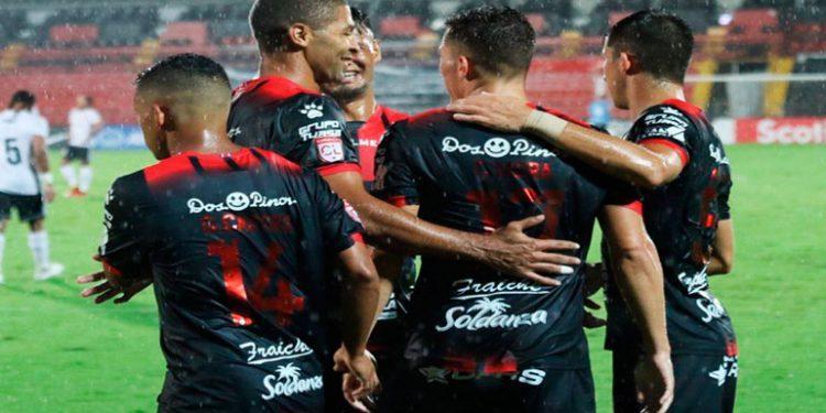 Alajuelense y Alex López a octavos de la Liga Concacaf