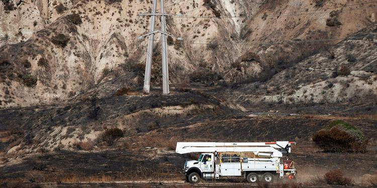 Miles se quedan sin electricidad en el sur de California