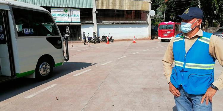 La zona del centro de Tegucigalpa es uno de los epicentros donde confluyen cientos de unidades de transporte.