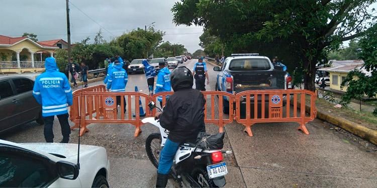 Cierran varias vías por peligro de inundaciones en San Pedro Sula