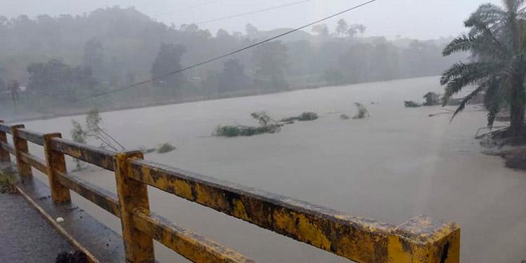 Copeco: Vientos huracanados, inundaciones y deslizamientos son una amenaza inminente