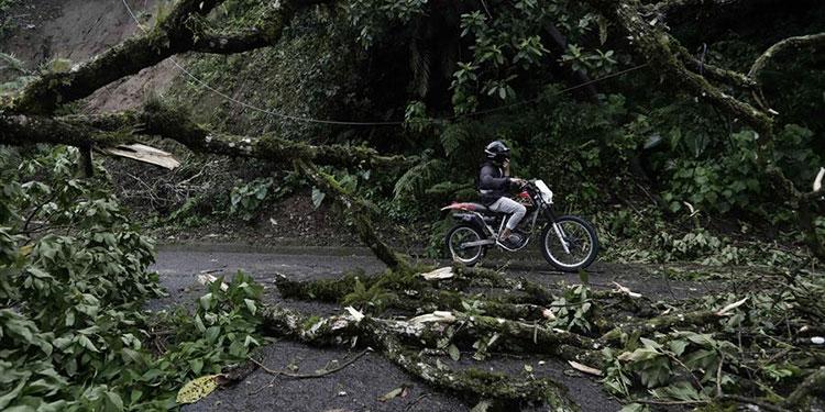 Costa Rica registra lluvia moderada por huracán Iota y vigila nuevo fenómeno