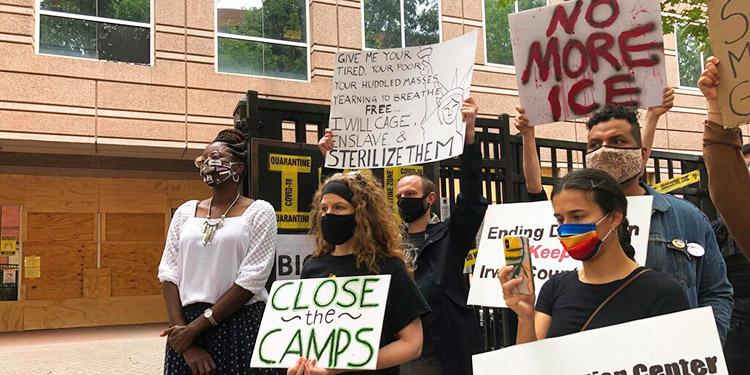 EEUU deporta a migrantes que denunciaron abusos de doctor