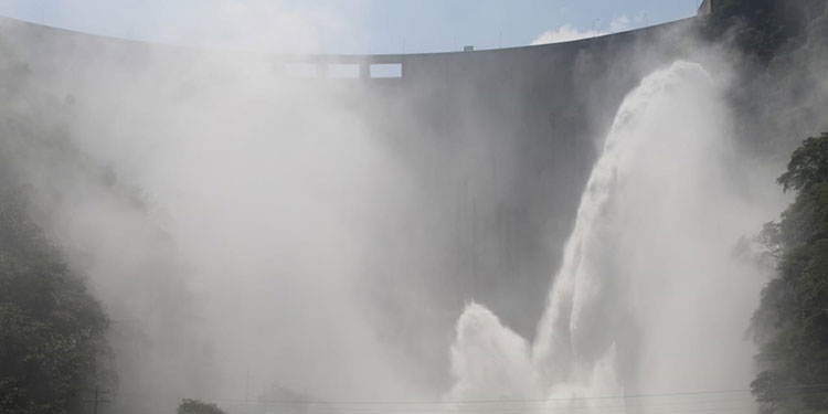 Según los representantes de la Comisión Interventora de la Empresa Nacional de Energía Eléctrica se prevé que El Cajón pueda mitigar el impacto de las lluvias hasta en 5 mil millones de metros cúbicos.