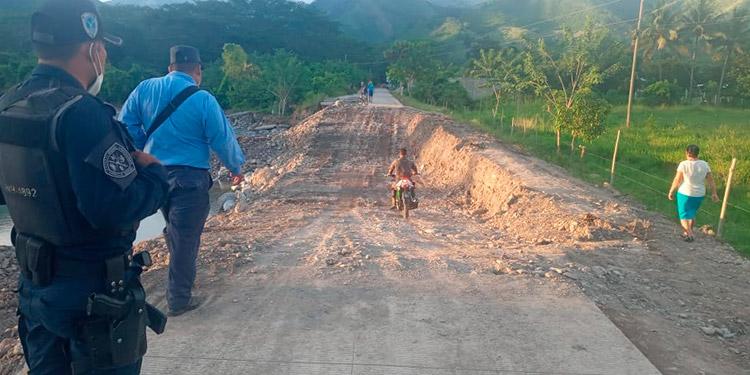 Policía Nacional apoyará en las evacuaciones ante la llegada de 'Iota'