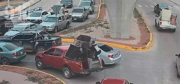 "Realizan evacuación preventiva en la colonia La Vega por huracán ""Iota"""