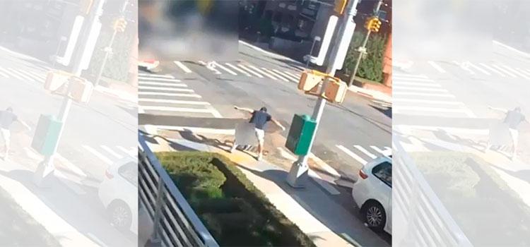 Video captó brutalidad sin freno: puñetazo a niño en plena calle de Nueva York