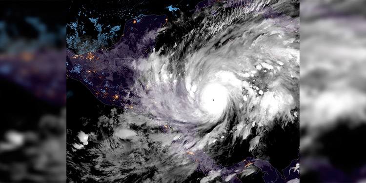 Huracán Eta comienza a hacer estragos en el Caribe norte de Nicaragua