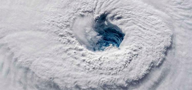 Los huracanes duran más tiempo tras tocar tierra