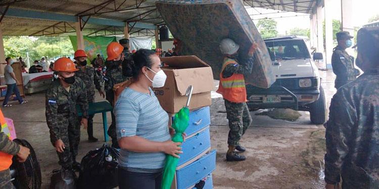 En Choluteca, 120 de 125 familias albergadas en diversos lugares, retornaron a sus viviendas ya que no hay peligro de desbordamiento del río.