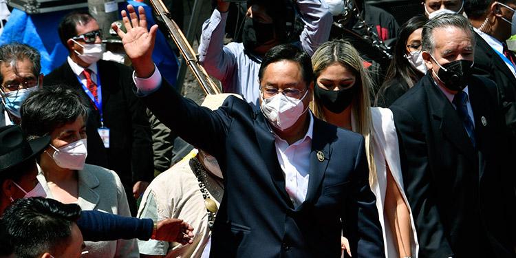 Luis Arce es investido como nuevo presidente de Bolivia