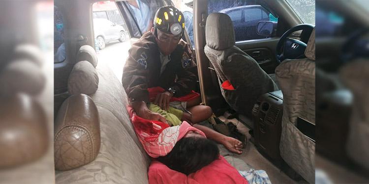 Bomberos rescatan a niña soterrada en Comayagüela