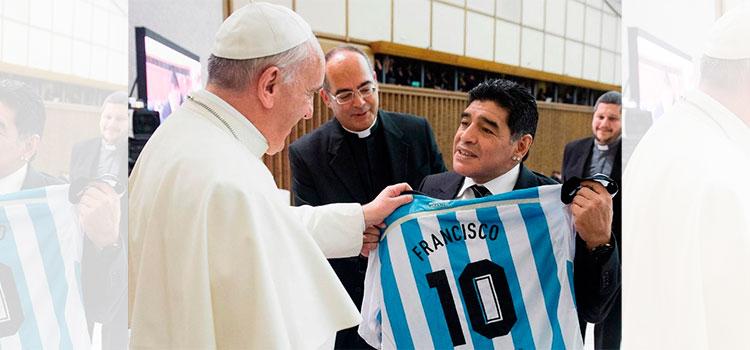 """El papa Francisco recuerda """"con afecto"""" y oración a Maradona"""