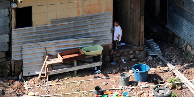 Eta deja a muchos hondureños sin saber si tendrán trabajo y con mucho miedo