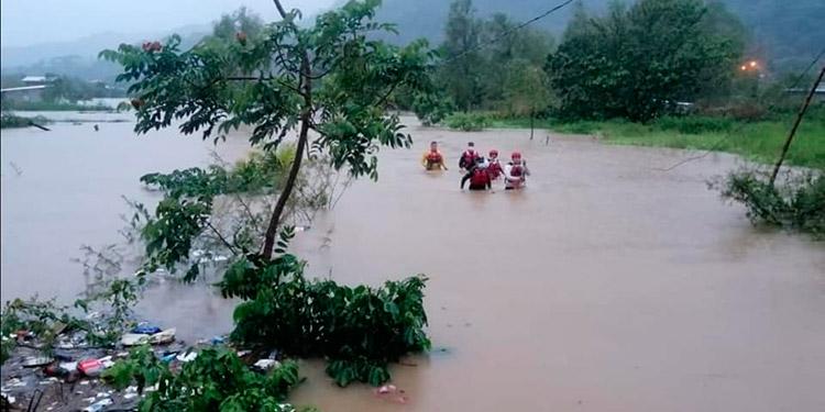 Continúan las evacuaciones y rescates en Cortés