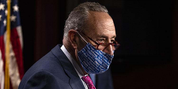 """Republicanos """"envenenan"""" la democracia al negar la victoria de Biden, dice senador demócrata"""