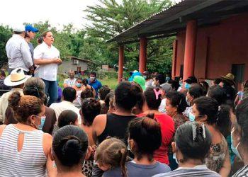 Con alimentos auxilian a familias de aldeas y caseríos de Choluteca